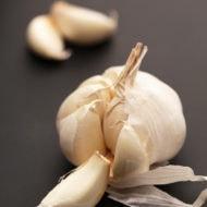 How To Peel Garlic