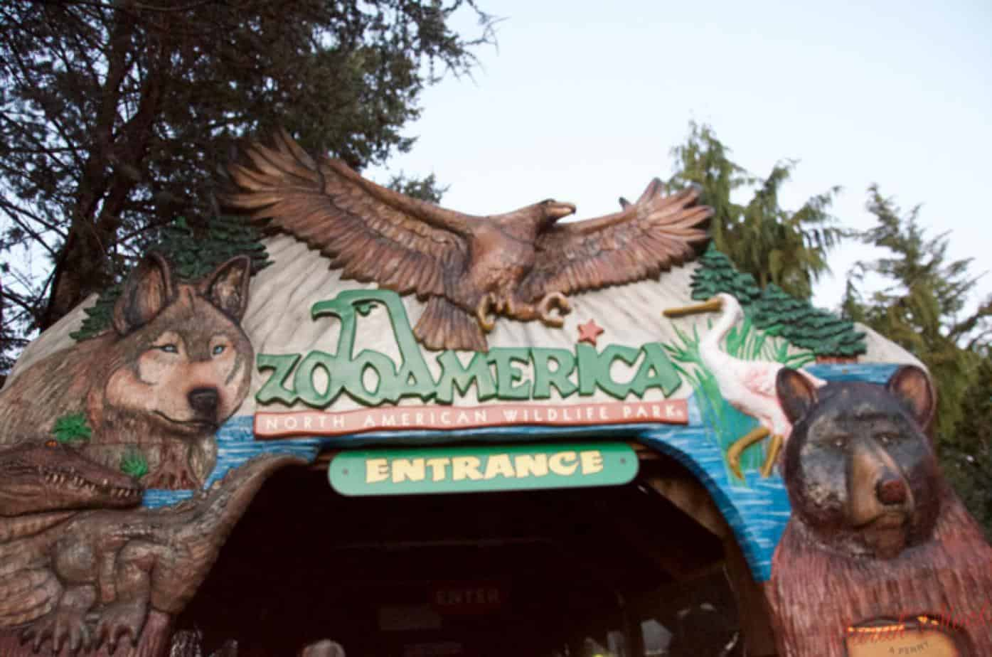 entrance to zooAmerica