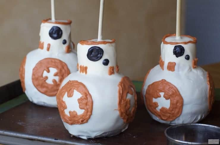 Caramel Apple Inspired by Star Wars BB-8 Droid found at HowIPinchAPenny.com