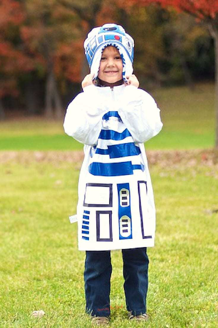 R2D2 Costume For Kids | Easy No Sew R2D2 Costume | Savoring The Good