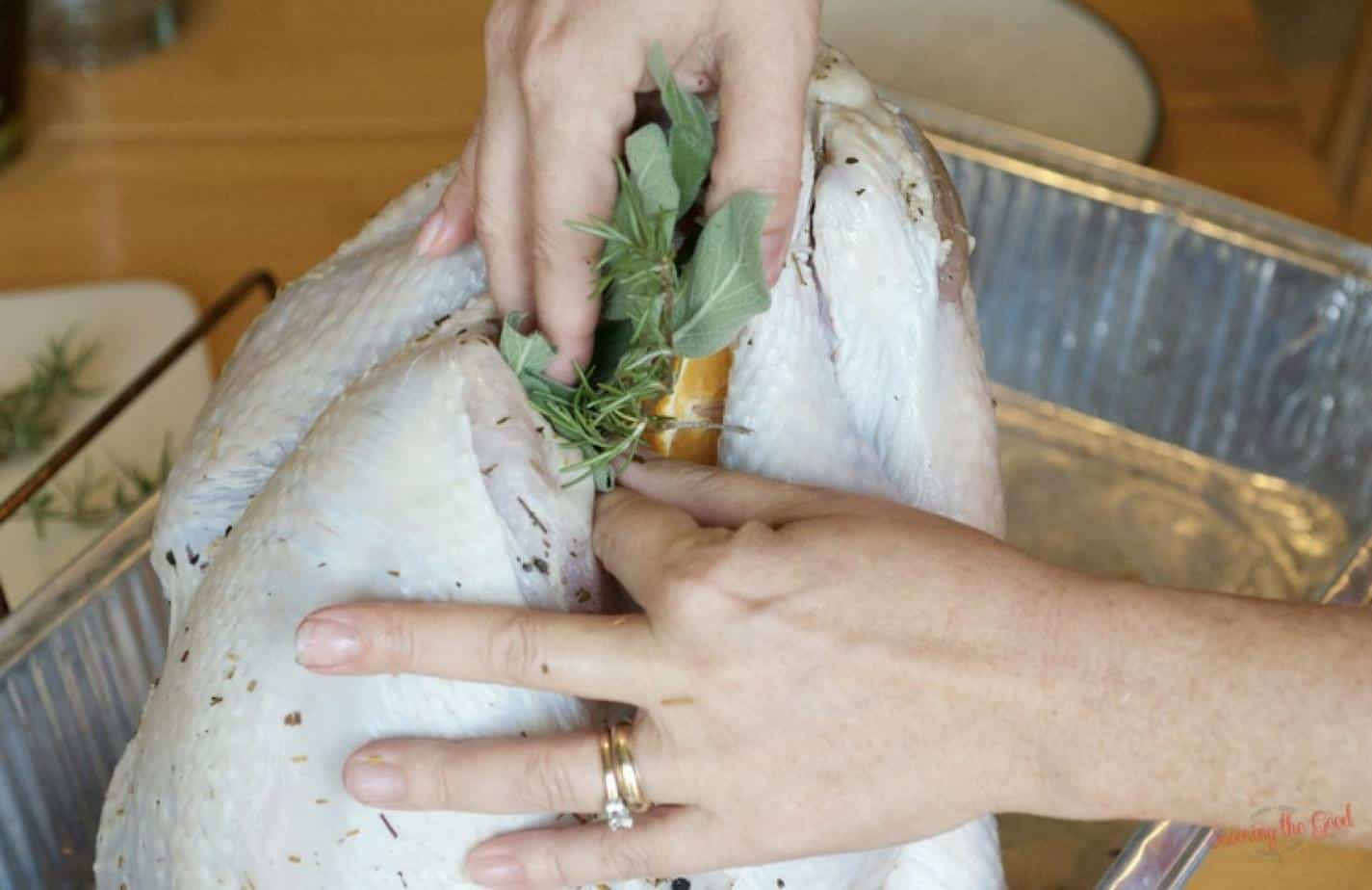 easy-juicy-oven-roasted-brined-thanksgiving-turkey-recipe