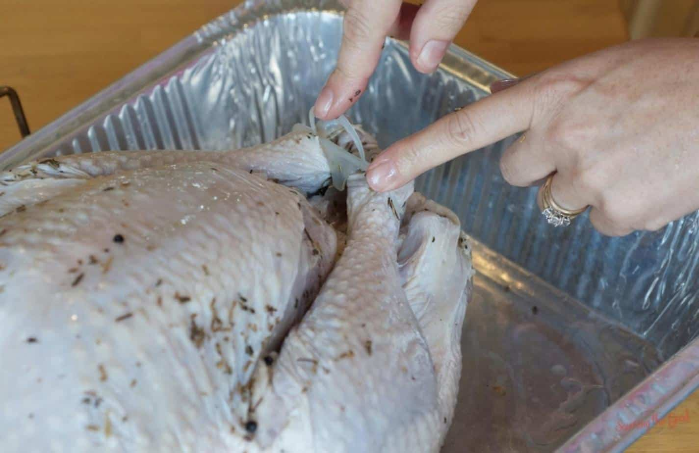 easy-juicy-oven-roasted-brined-thanksgiving-turkey-recipe-5