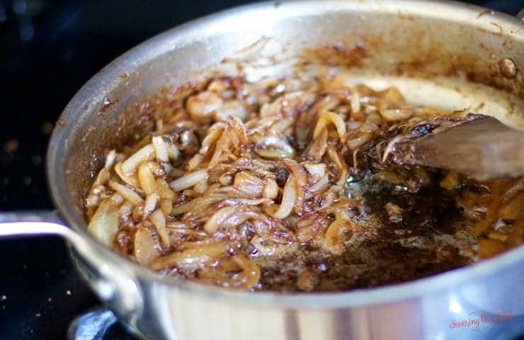 caramelized onions for bacon onion jam