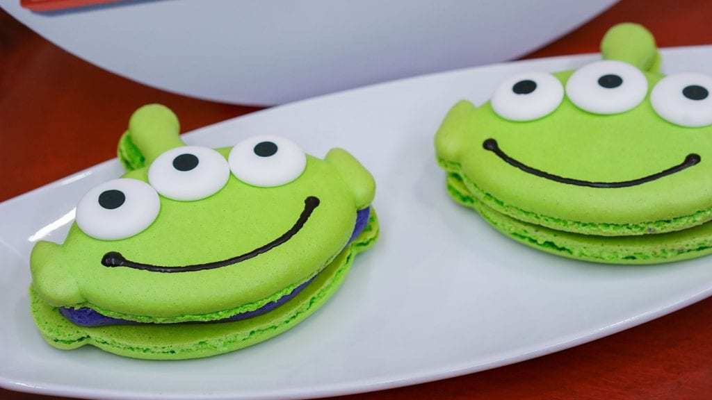 Pixar fest_Green Little Green Men Macaroon