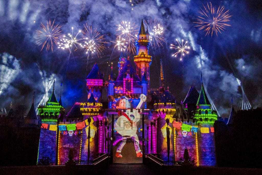 Together-Forever-–-A-Pixar-Nighttime-Spectacular