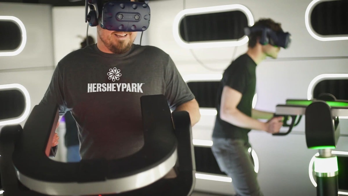 Hyperdeck at herhseypark man in a dark tshirt with VR goggles on