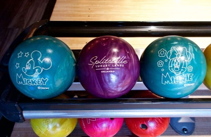 Splitsville Orlando 3 bowling balls with disney icons