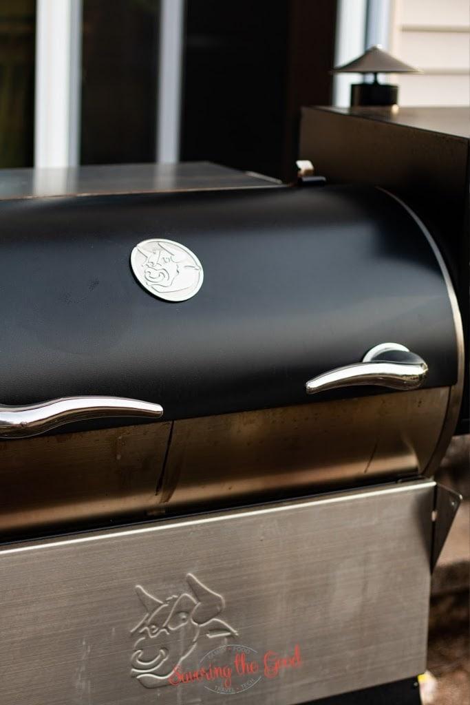 vertical image of closed lid of rec tec grill