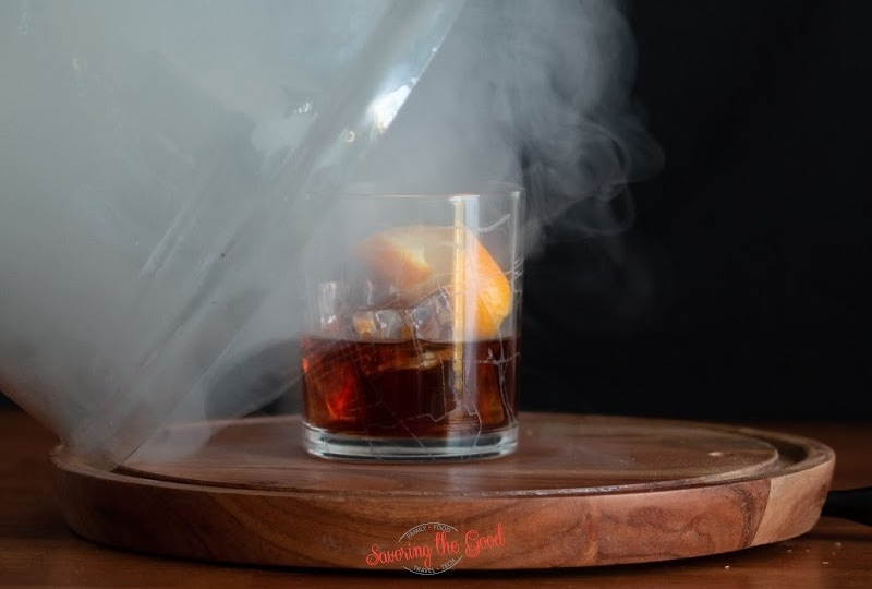 How-to-make-a-DIY-cocktail-smoking-cloche