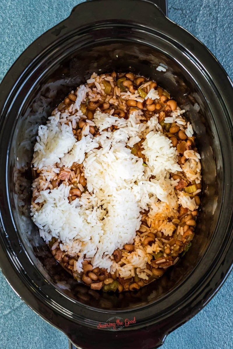 Hoppin' John Recipe in a Slow Cooker with rice added