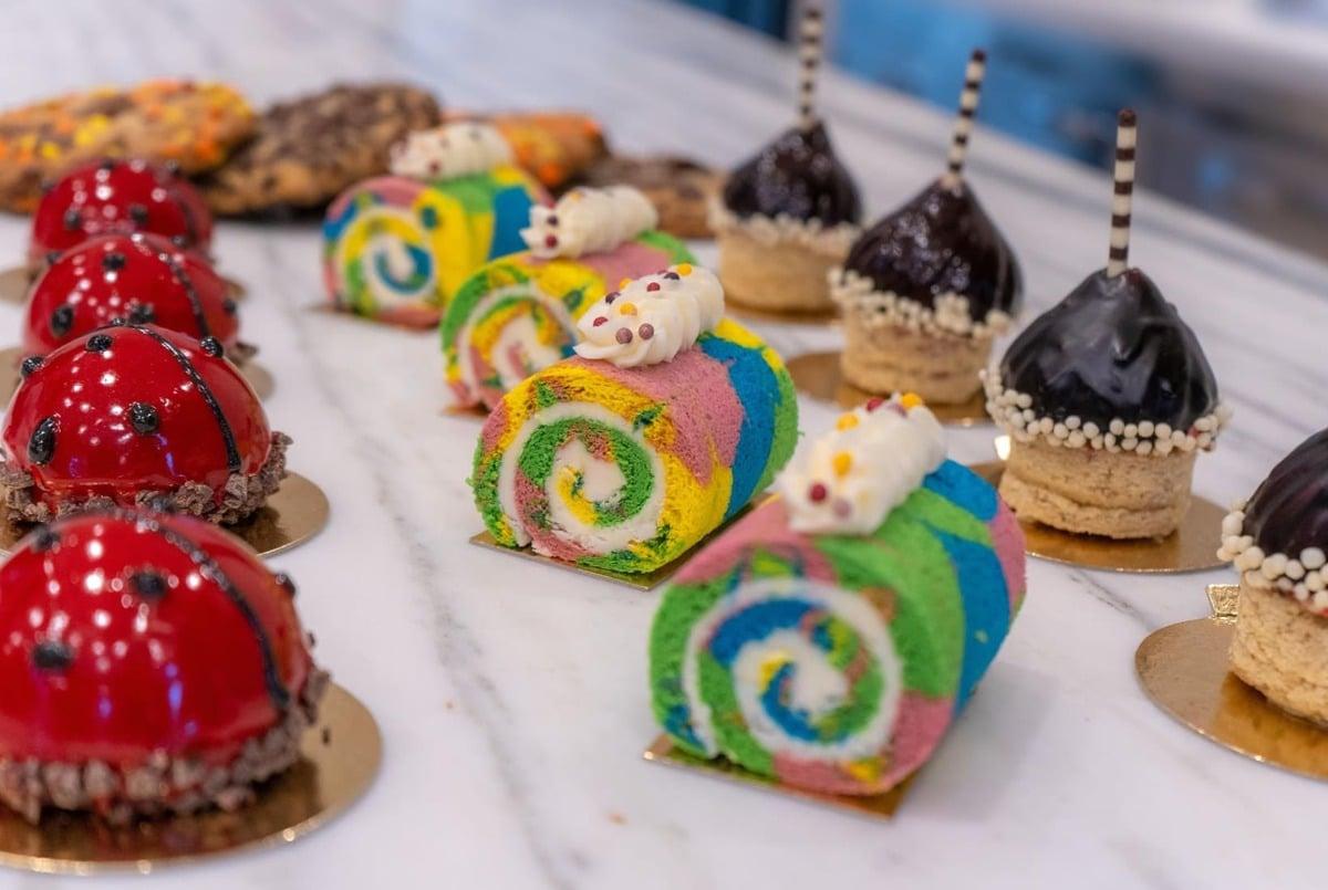 Hersheypark-themed treats from chocolatetown