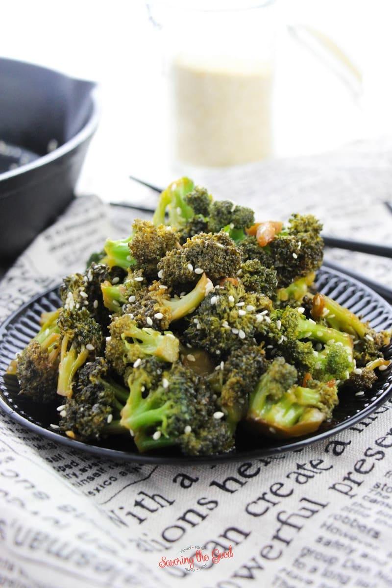 Asian keto Broccoli on a plate