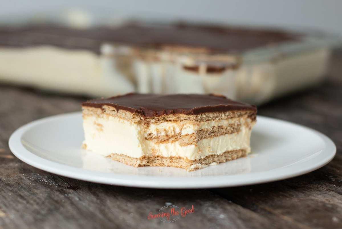 eclair cake horizontal image