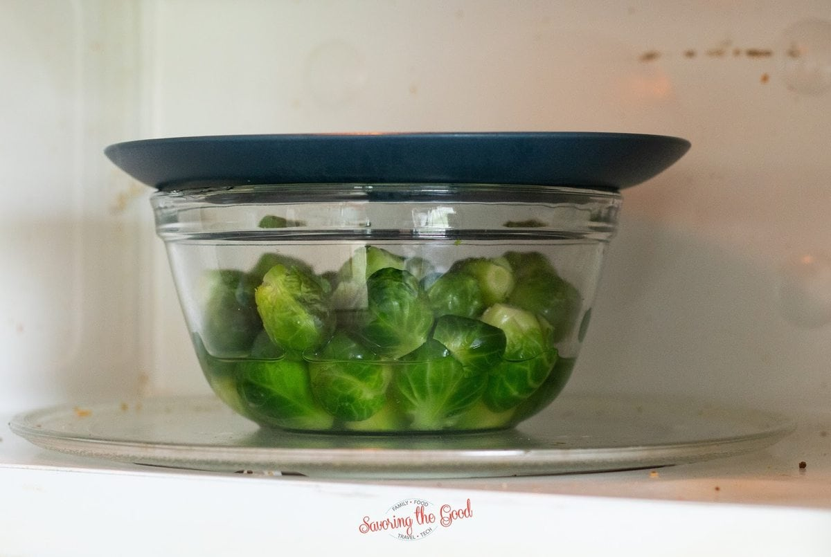 steaming brusseles sprouts in a microwave