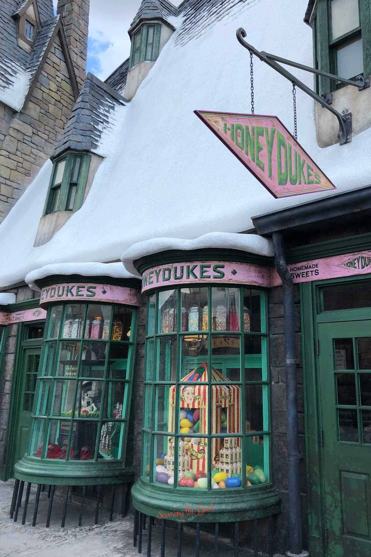 store front of honey dukes candy shop in universal orlando