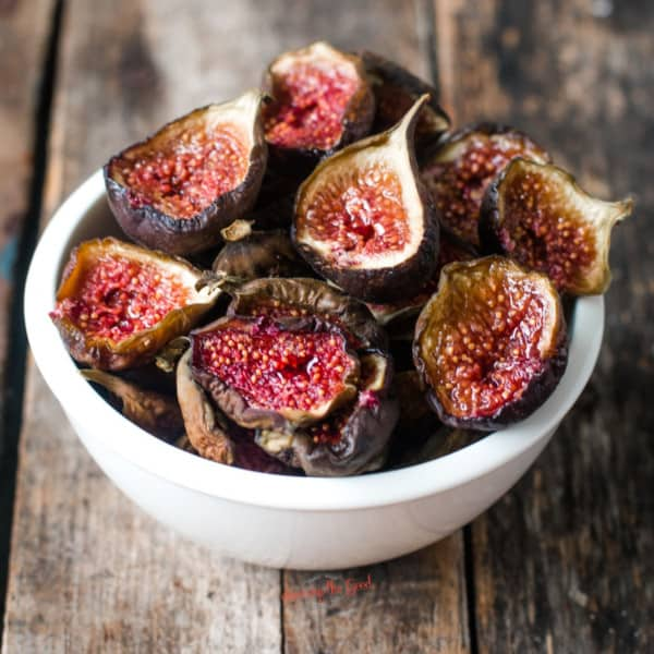 dry figs in a bowl